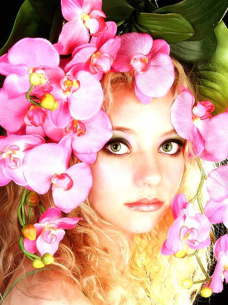 Flower headpiece, flower dress, flower wardrobe, flower, flowers, photo, photoshoot, chicago, amie hana, jennifer lynn, wardrobe stylist, hair stylist, designer, wardrobe designer, fashion designer